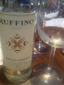 ...aqui já temos um vinho sério, de boa tipicidade, bom frescor, prazeroso..