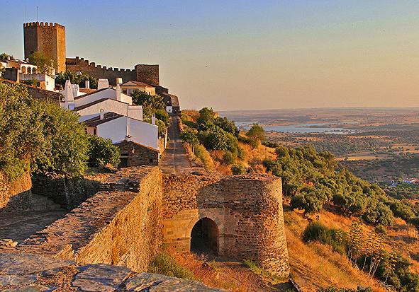 """Monsaraz Portugal  city pictures gallery : Reguengos de Monsaraz tornou se em 2015 a """"Cidade Europeia do Vinho ..."""